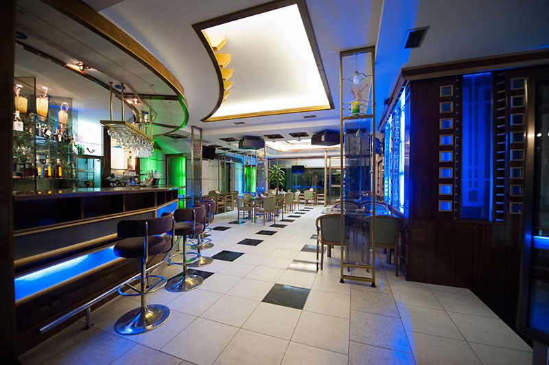 3Lobby-bar